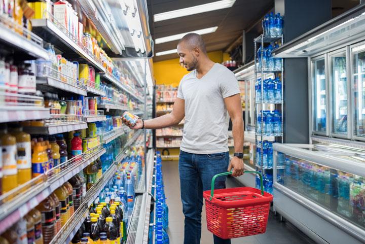 digital retail signage considering in-store digital presence